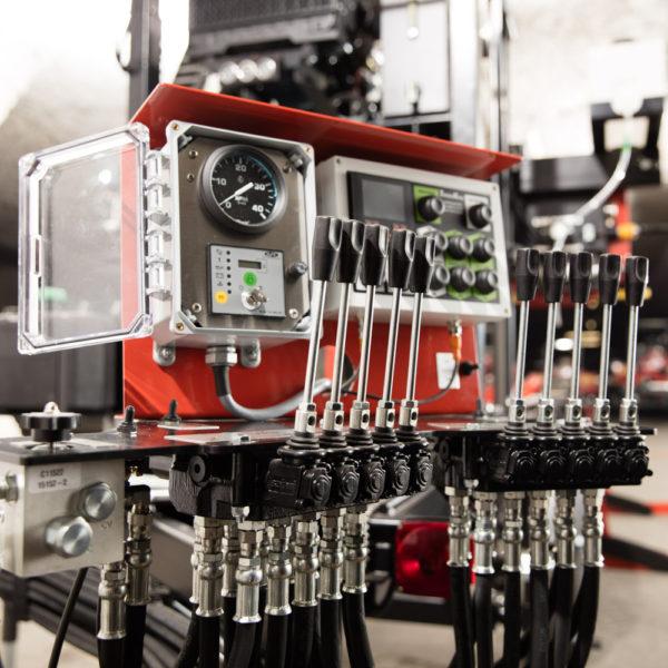 2200/2500 hydraulic control panel